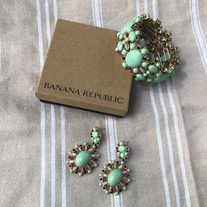 💋Banana Republic Earrings and Bracelet set